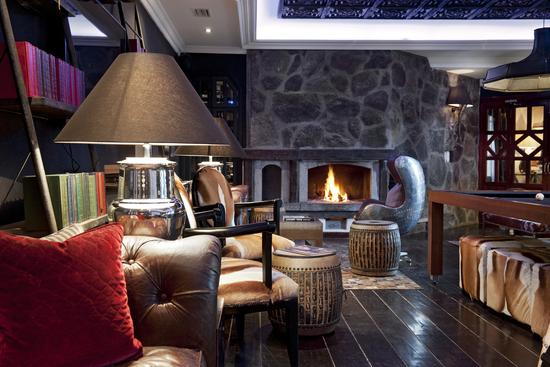 The Lodge Sierra Nevada, Spain club lounge