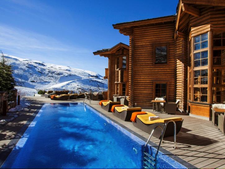 The Lodge Sierra Nevada - Suite Terrace Pool