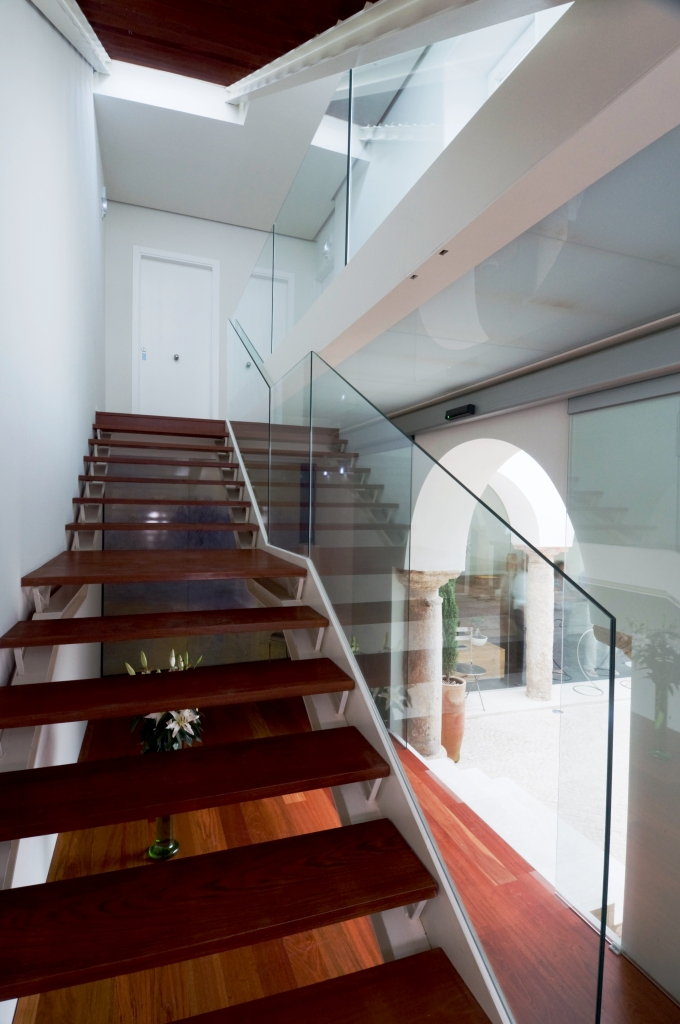 www.hotelviento10.com staircase
