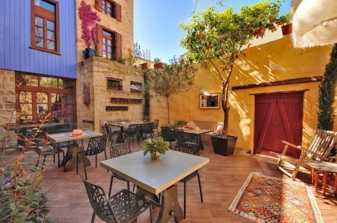Kokkini courtyard